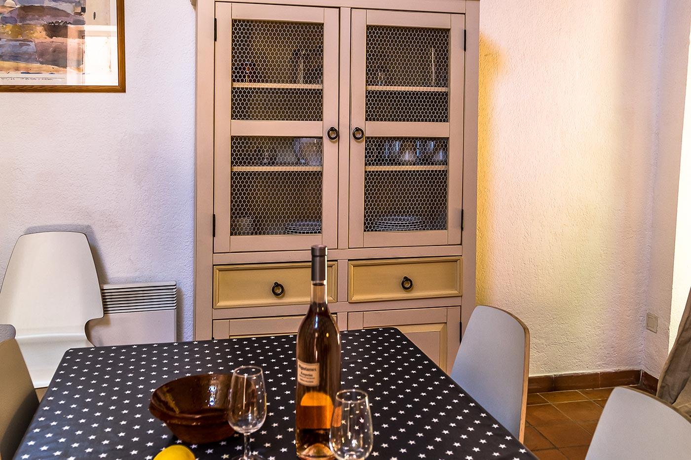 Grenache Cottage kitchen